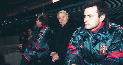 Jose Mourinho a déjà fait don de son prix du Coach de l'année de la FIFA à la fondation de Bryan Robson - ils ont travaillé ensemble au Barça