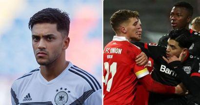 """Un joueur de l'Union appelle le milieu de terrain du Bayer """"Afghan"""" lors d'une altercation sur le terrain"""