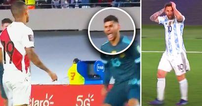 Captado por las cámaras: 2 jugadores de Argentina trolean brutalmente a su rival después de que fallara un penalti