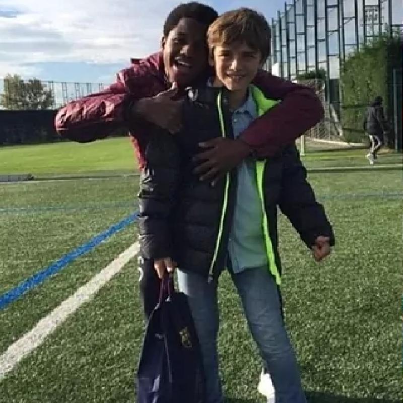 Фотография 13-летнего Фати с Гави стала вирусной