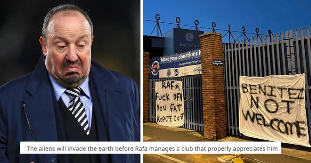 'They don't deserve him': Everton fans put up banners in protest against Benitez appointment, Reds fans react