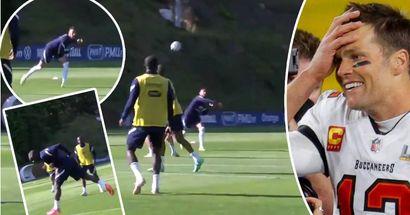Nachfolger von Tom Brady! Tolisso zeigt seine Quarterback-Fähigkeiten beim Training der französischen Nationalelf
