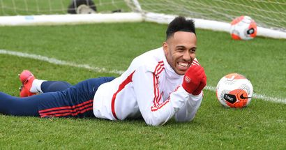 Aubameyang produces one-word response when asked what he thinks of Tottenham