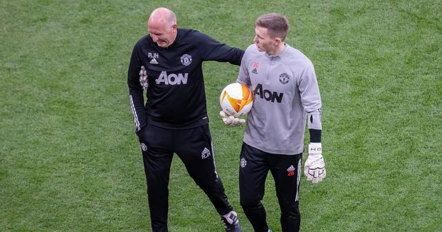 Solskjaer explains Henderson's absence & 3 more under-radar stories at Man United today
