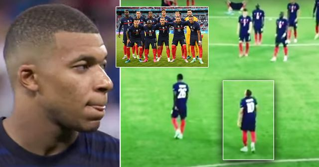 Just one France player went to comfort Kylian Mbappe before he went down the tunnel