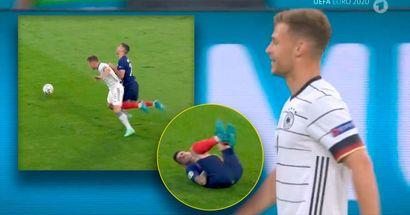 Kleine Schrecksekunde: Kimmich foult an Hernandez, tut Lucas weh und wird früh verwarnt