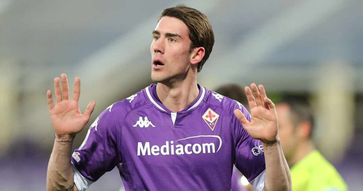 Il Milan pensa ad un possibile scambio con la Fiorentina: l'obiettivo dei rossoneri rimane Dusan Vlahovic