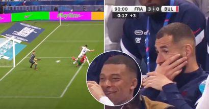 Kameras zeigen Karim Benzemas Reaktion, als Olivier Giroud nach seiner Einwechslung zweimal traf