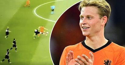 De Jong brilliantly gets past two Austria players, third falls like bowling pin
