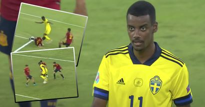 Crazy moves, 2 scoring chances, dribbling past Laporte –how did you like Isak's outing vs Spain?