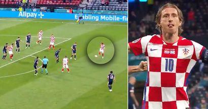 Luka Modric stordisce la Scozia con un goal inaspettato in stile Quaresma 9 secondi dopo aver passato il pallone allo stesso modo