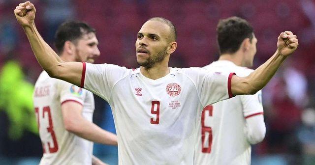 Braithwaite en demi-finale de l'Euro alors que le Danemark bat la République tchèque