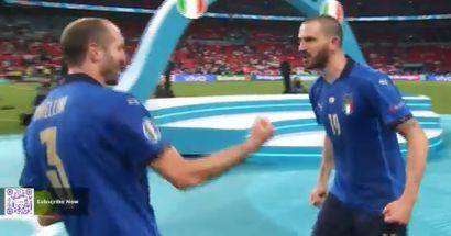 Bonucci et Chiellini exécutent une danse inhabituelle après avoir battu l'Angleterre en finale